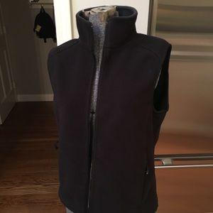 L.L. Bean Jackets & Coats - LL Bean black fleece vest